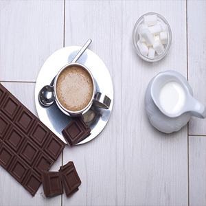 שוקולד לצד הקפה